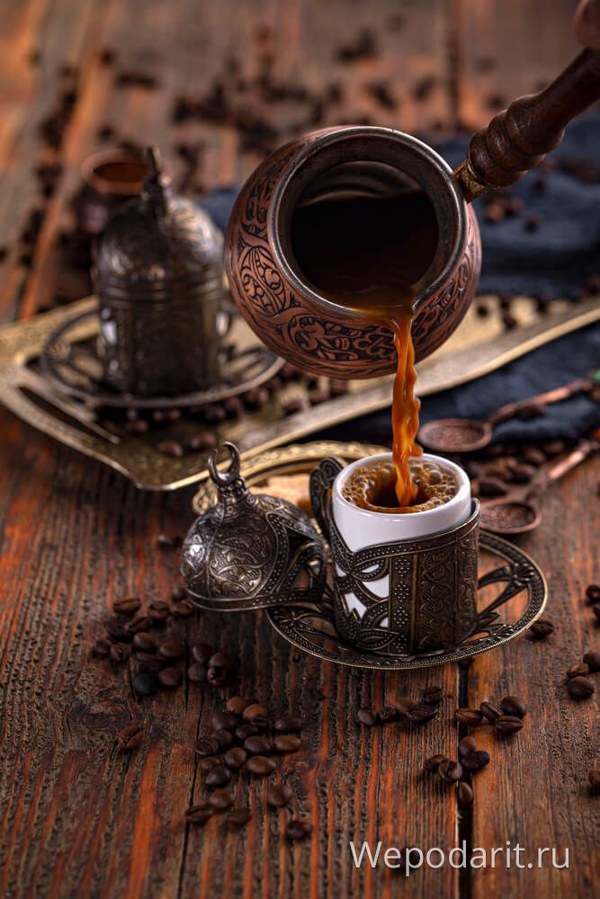 кава з красивою турки