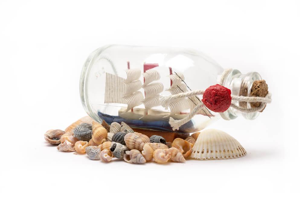 Корабель в пляшці