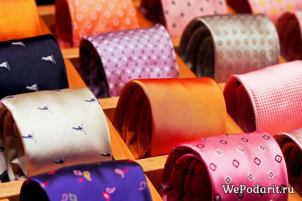 набір краваток